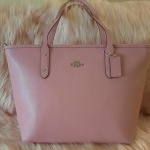 ❌SOLD❌Coach city zip tote pink